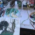 """""""Renarde et renardeaux"""" en cours de réalisation sur la table d'atelier de Judith Gueyfier."""